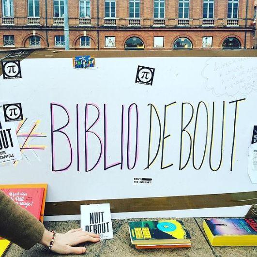 600px-Nuit_debout_Toulouse_-_BiblioDebout_01
